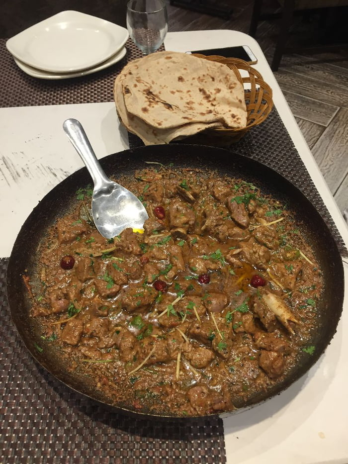 Best-Desi-Restaurants-in-Lahore